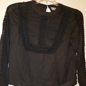 Stunning black lace shirt 😍